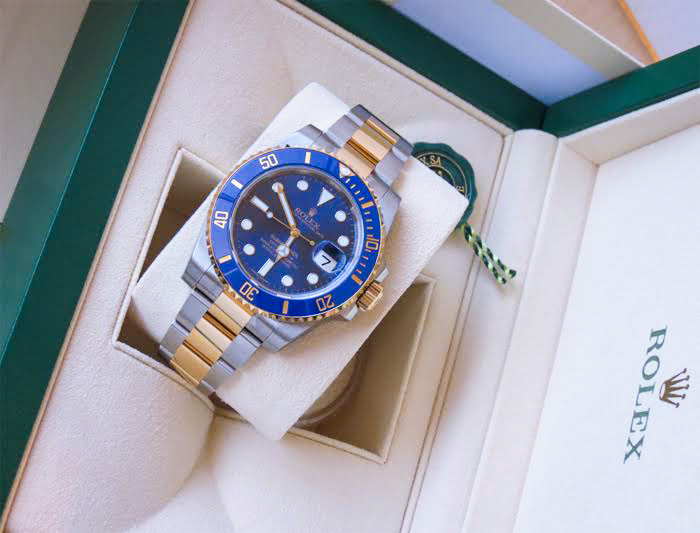 Pre-Owned_Rolex_Submariners_Blue_Dial